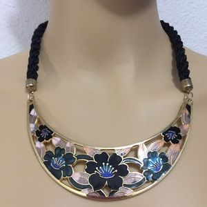 Jewelry - Japanese Flower Necklace